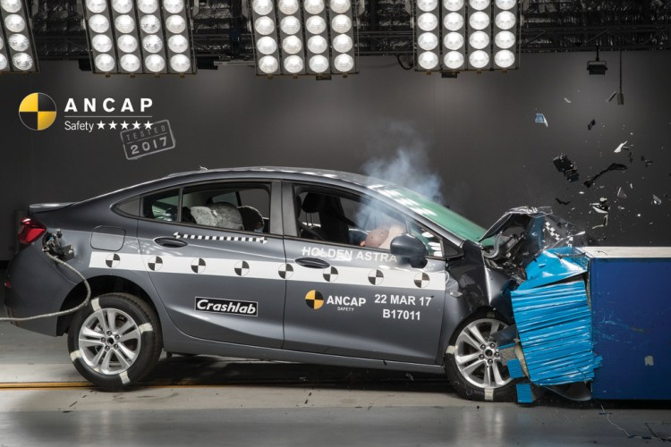 Holden Astra Crash Test