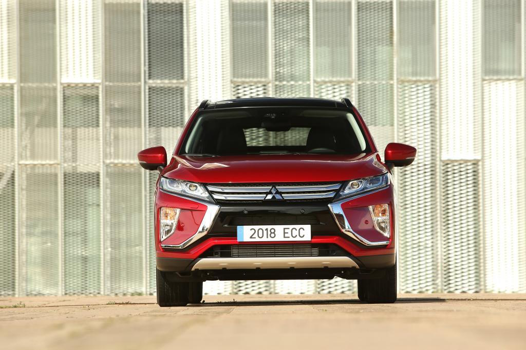 2018 mitsubishi crossover. exellent crossover 2018 mitsubishi eclipse cross review by practical motoring in mitsubishi crossover