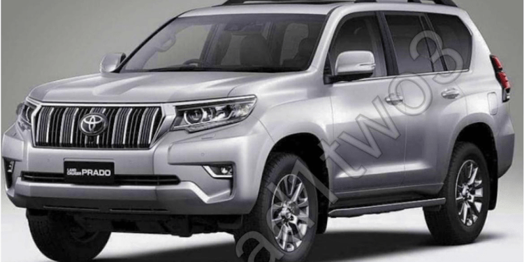 Toyota Prado fans will have to wait a little longer for an all new model with a facelift due out later this year, Instagrammer Hammad123 has leaked images of refreshed 4x4.
