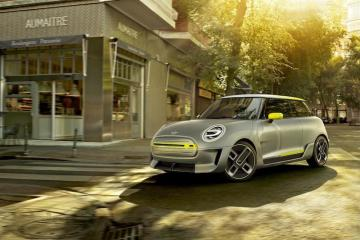 The Mini Electric Concept comes 10 years after the Mini E kickstarted the electric push at BMW (leading to the BMW i3), and it hints at a production model coming in 2019.