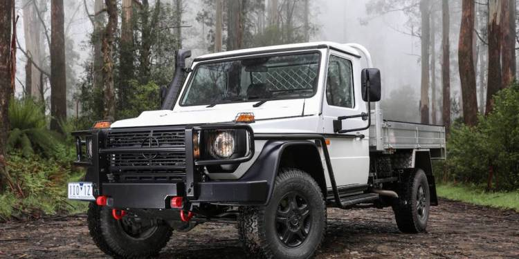 2017 Mercedes-Benz G-Professional Cab Chassis Review