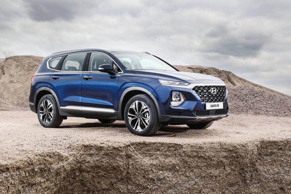 Hyundai Santa Fe Unveiled; Gets A 7-Seater Variant With Diesel Engine