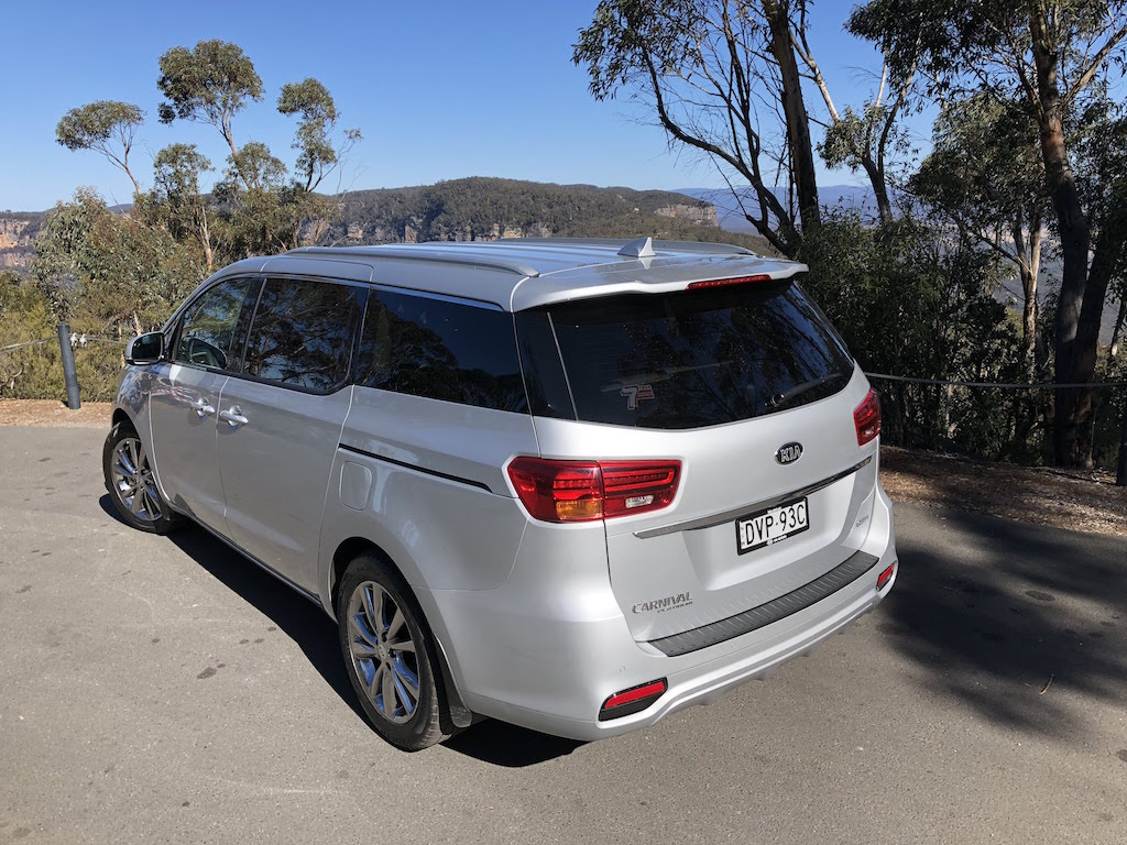 2019 Kia Carnival Platinum Review