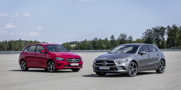 Mercedes-Benz reveals plug-in electric B250e and A2503