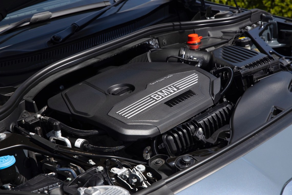 2020 BMW 118i engine