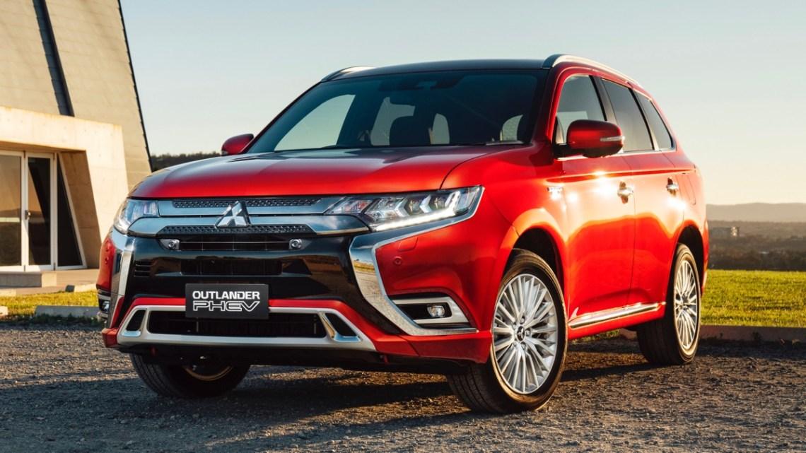 Mitsubishi Outlander PHEV 2020 front