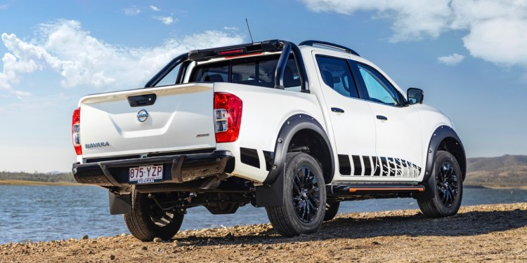Nissan navara n-trek review rea