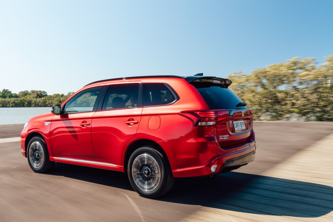 2021-Mitsubishi-Outlander-front-view - 2021 and 2022 New