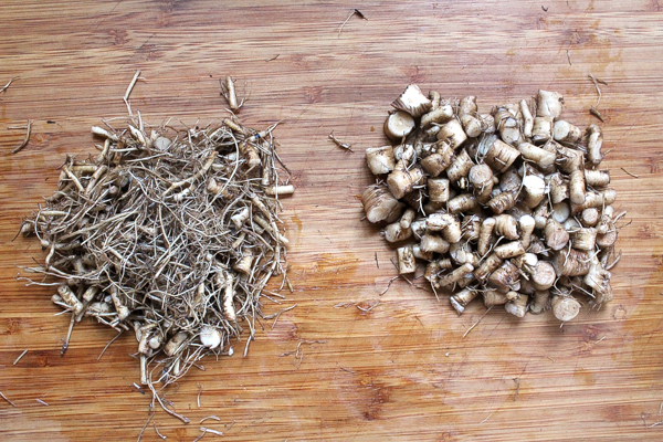 Sorting Dandelion Roots for Coffee