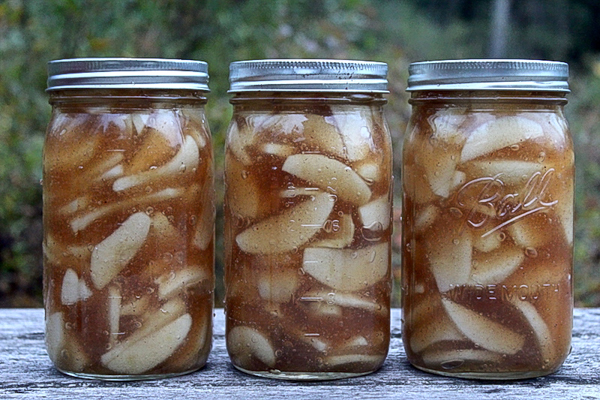 canning apple pie filling at home