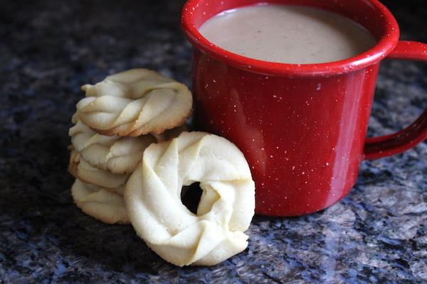 Danish Butter Cookies (Vaniljekranse)