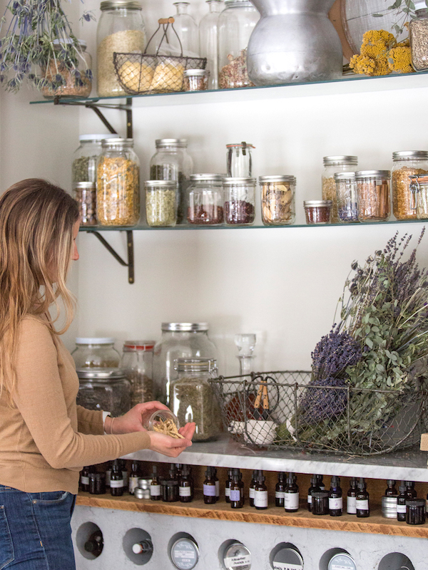 The Herbal Academy Intermediate Herbal Course - Apothecary