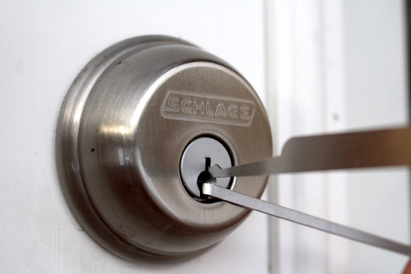 Lock Picking Schlage Lock