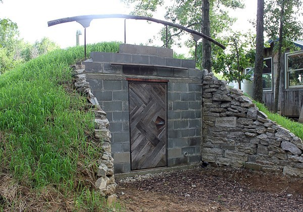 How to build your own root cellar