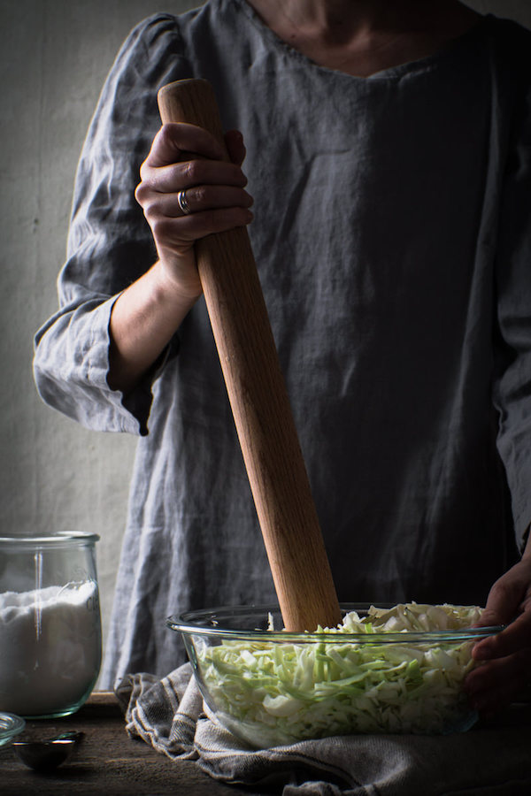 Using a French rolling pin as a sauerkraut pounder