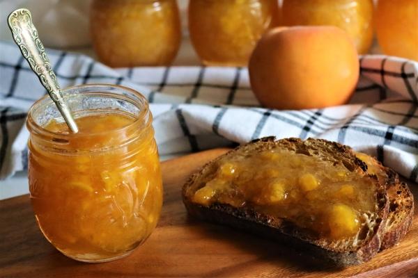 Serving homemade peach jam