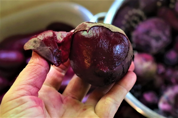 Peeling Beets for Canning