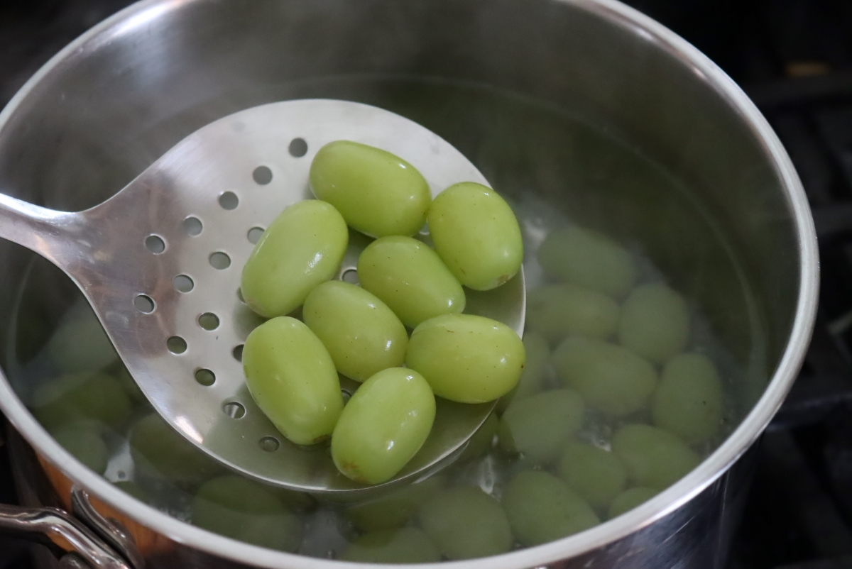 Blanching Grapes for Canning