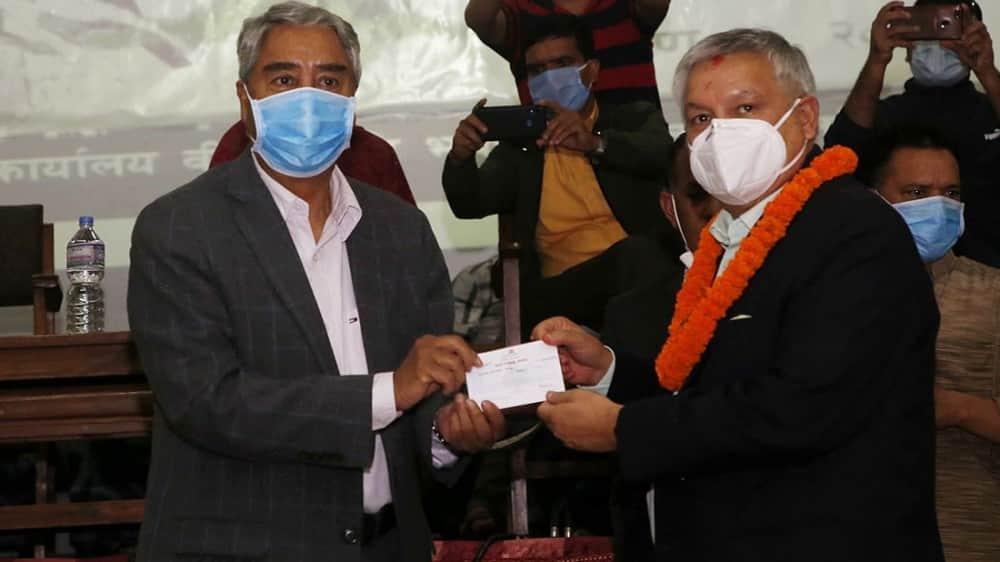 राप्रपा परित्याग गरी सुनीलबहादुर थापा नेपाली कांग्रेसमा प्रवेश