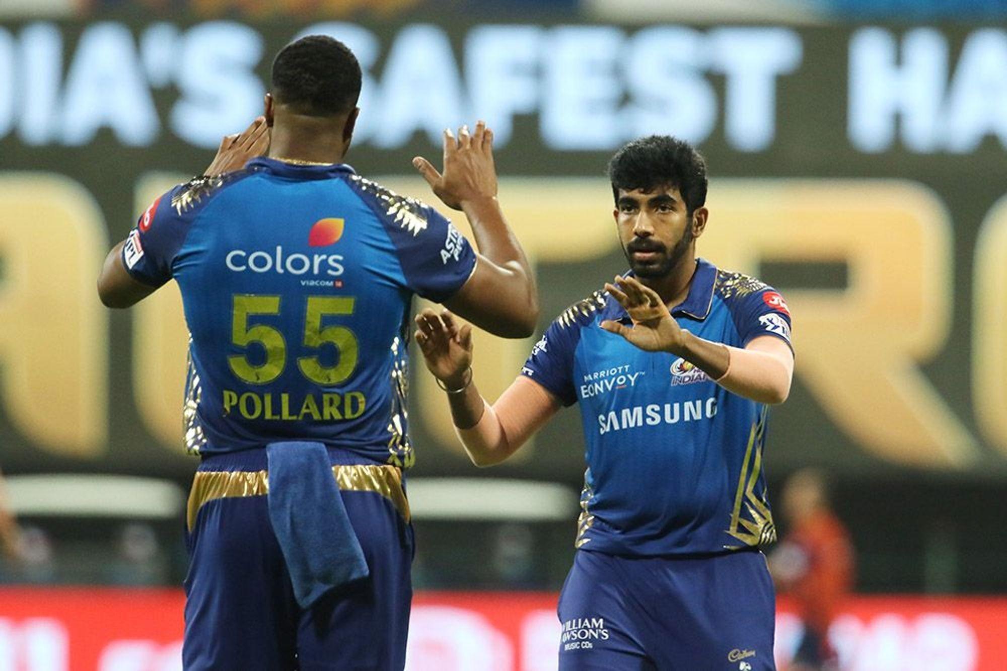 बैंगलोरलाई ५ विकेटले पराजित गर्दै मुम्बई प्ले अफ नजिक