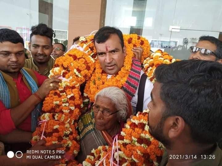 बीबीसी मास्टर सेफलाई जनकपुरमा ५१ किलोको माला लगाएर स्वागत