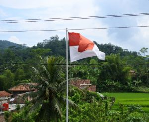 fotografi kibar-bendera merah putih indonesia