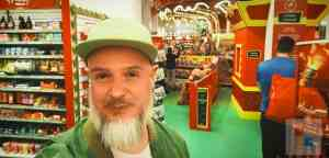 Andreas im Spielzeugparadies | Hamleys in Prag