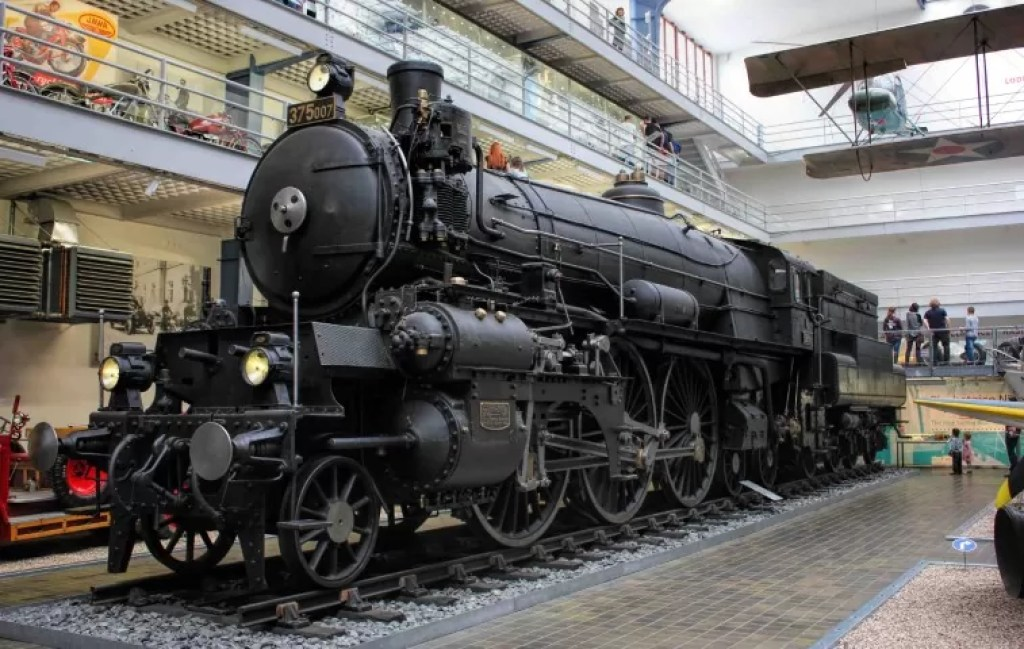 """The transportation history exhibit in the """"transportation hall"""" is the most popular among visitors"""