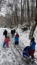 프라하 꼬빌리시 뒷 동산.. 오랜만에 내린 눈으로 즐거웠던 꼬빌리시 교회 어린이들...