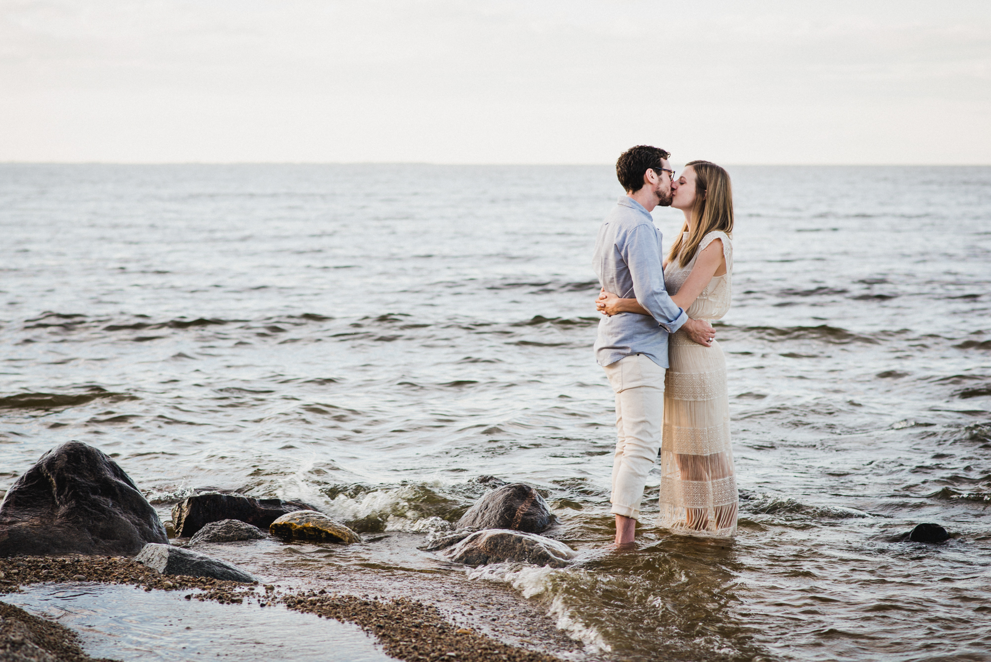 winnipeg-engagement-photographers-manitoba-couples-wedding-10