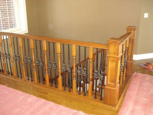 Handcrafted-wood-railing-with-metal