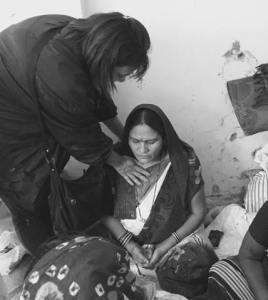 VBB helping woman