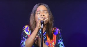 Victoria Orenze - Hallelujah Our God Reigns
