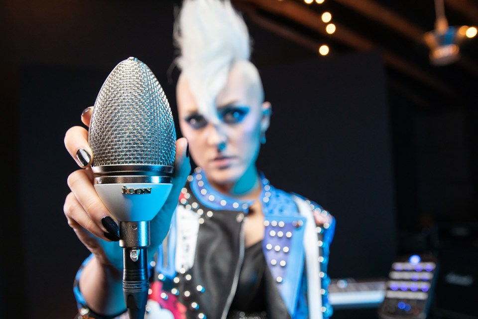 Cocoon Vocal shot