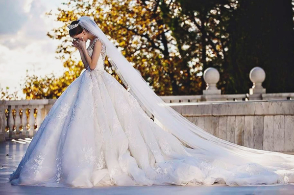 Be A Modern-Day Princess! 25 Fairytale Wedding Dresses