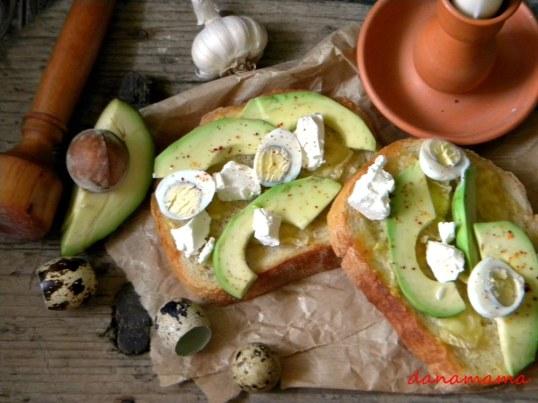 sendvis cu avocado1