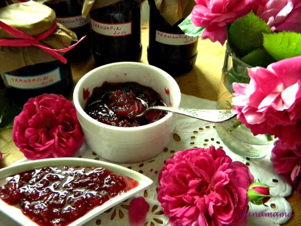 dulceata de trandafiri bun