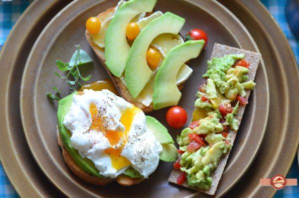mic-dejun-cu-avocado1