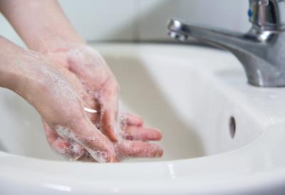 χέρια πλύσιμο