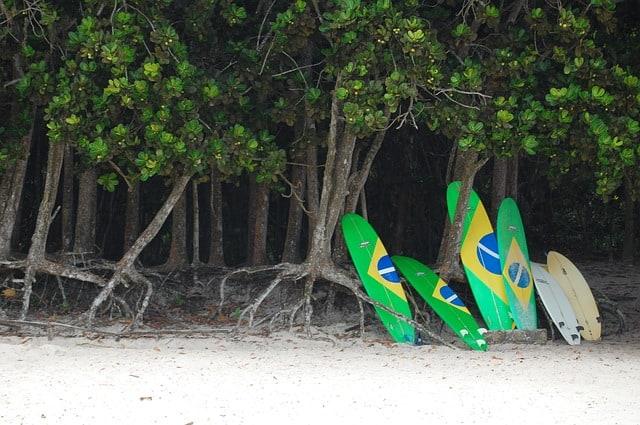 Quais As Melhores Praias Do Brasil Para Surfar?