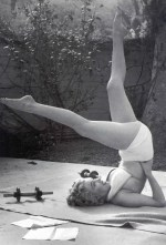 Marilyn-Monroe-Headstand-Shirsasana-II