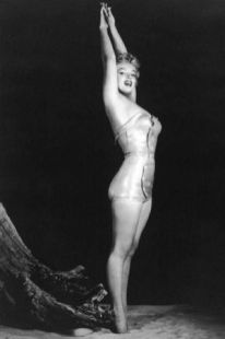 Marilyn Standing Pose