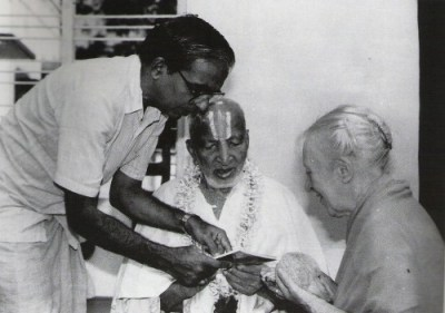 Desikachar with his father, Krishnamacharya and Indra Devi on the occasion of K's 100th birthday celebration in 1988