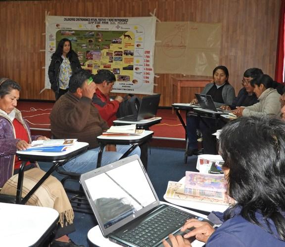 Docentes de Puno se capacitan en currículo intercultural