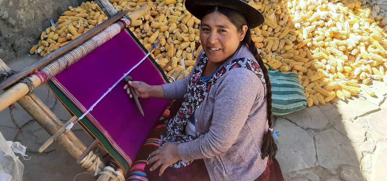 Bolivia: Awaykunas, tejiendo identidad y memoria cultural con sabiduría ancestral