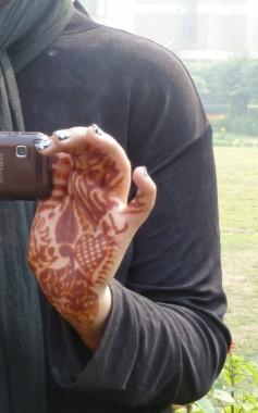 Rose's hennaed hand