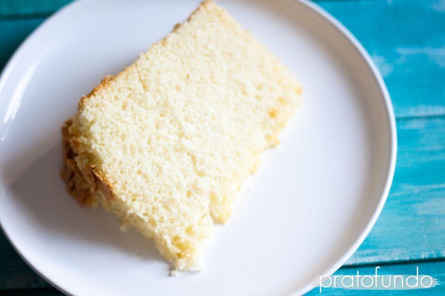 Bolo Chiffon Cake de Coco