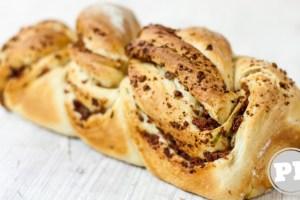 Pão de Cerveja e Linguiça por PratoFundo.com