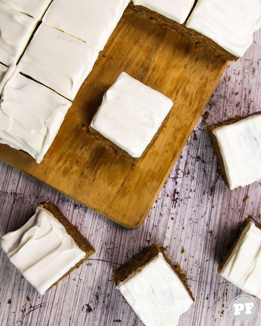 Carrot Cake: Bolo de Cenoura Americano com Cobertura de Cream Cheese