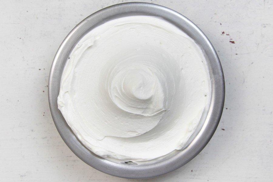 Tigela com Receita de Chantininho Tradicional (Creme Vegetal)